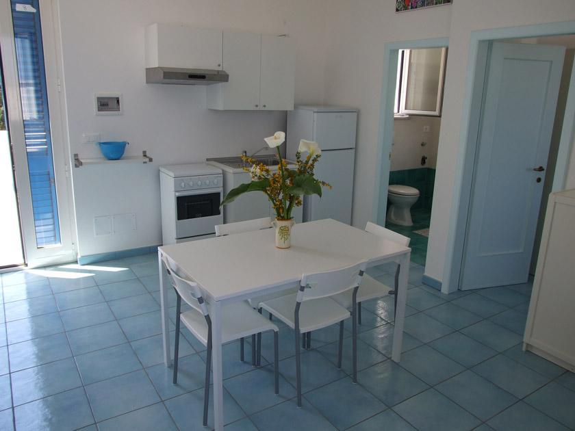 Case vacanze il carrubo appartamenti in affitto a for Interni appartamenti